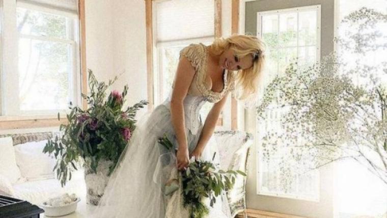 Pamela Anderson 5. Kez Evlendi!