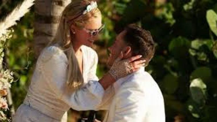 Paris Hilton 4. Kez Nişanlandı!