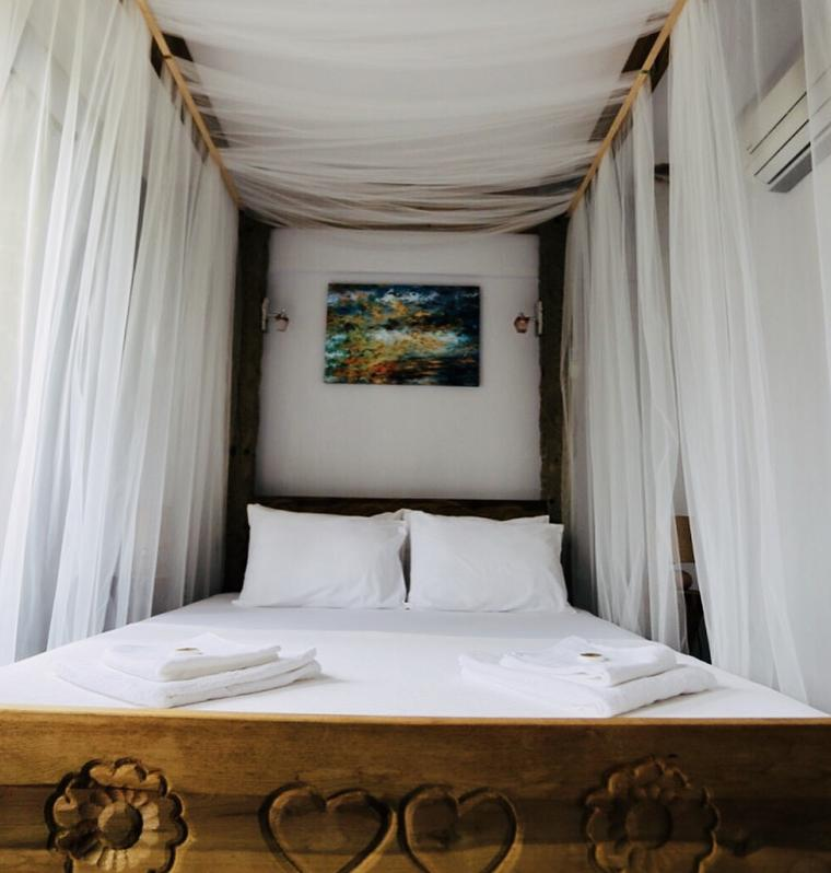Bozcaada İris Otel
